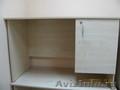 Срочно продаю офисный стол и витрину! Не дорого!